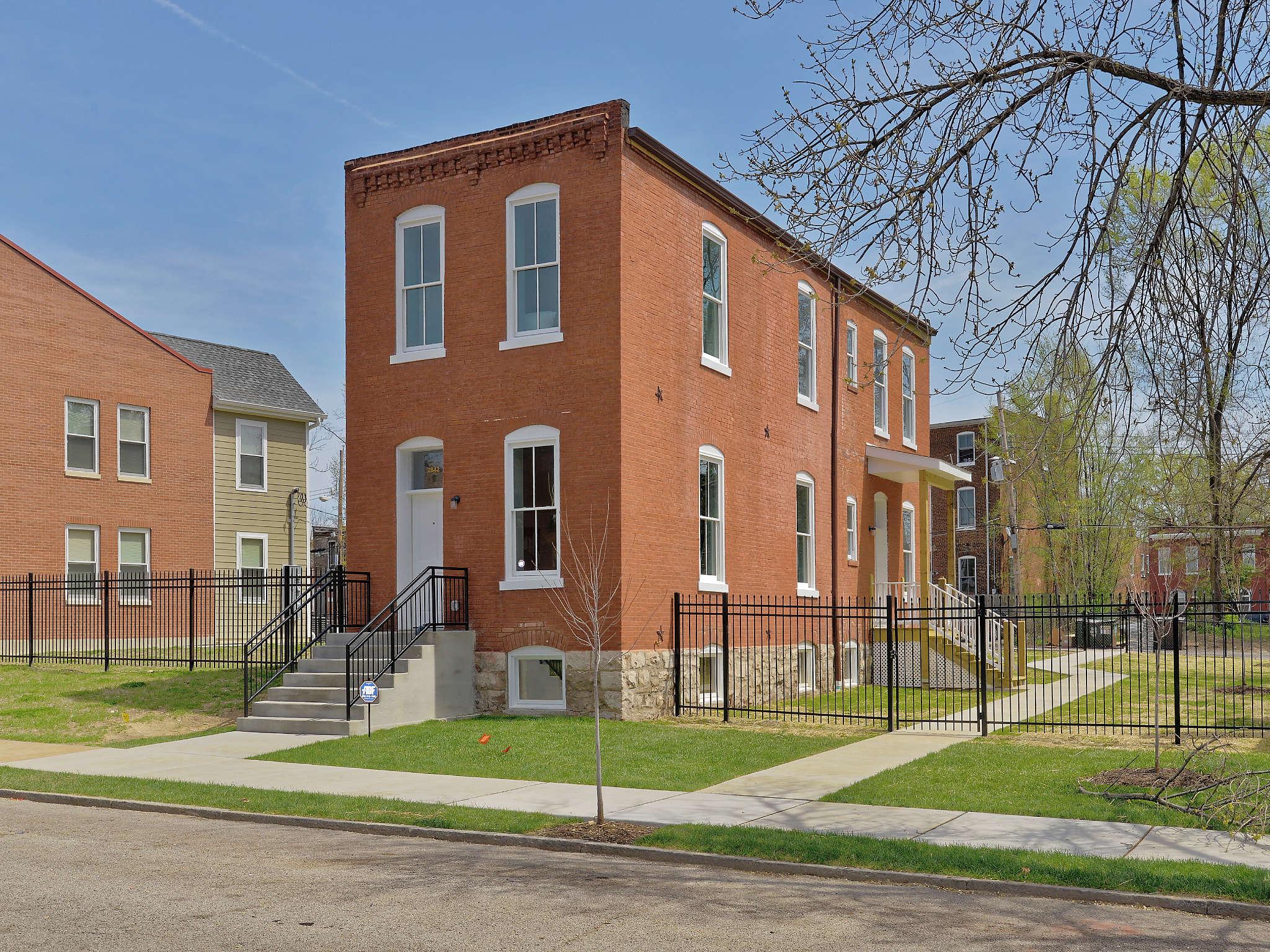 2842 Ohio Ave, St Louis 63118-1516