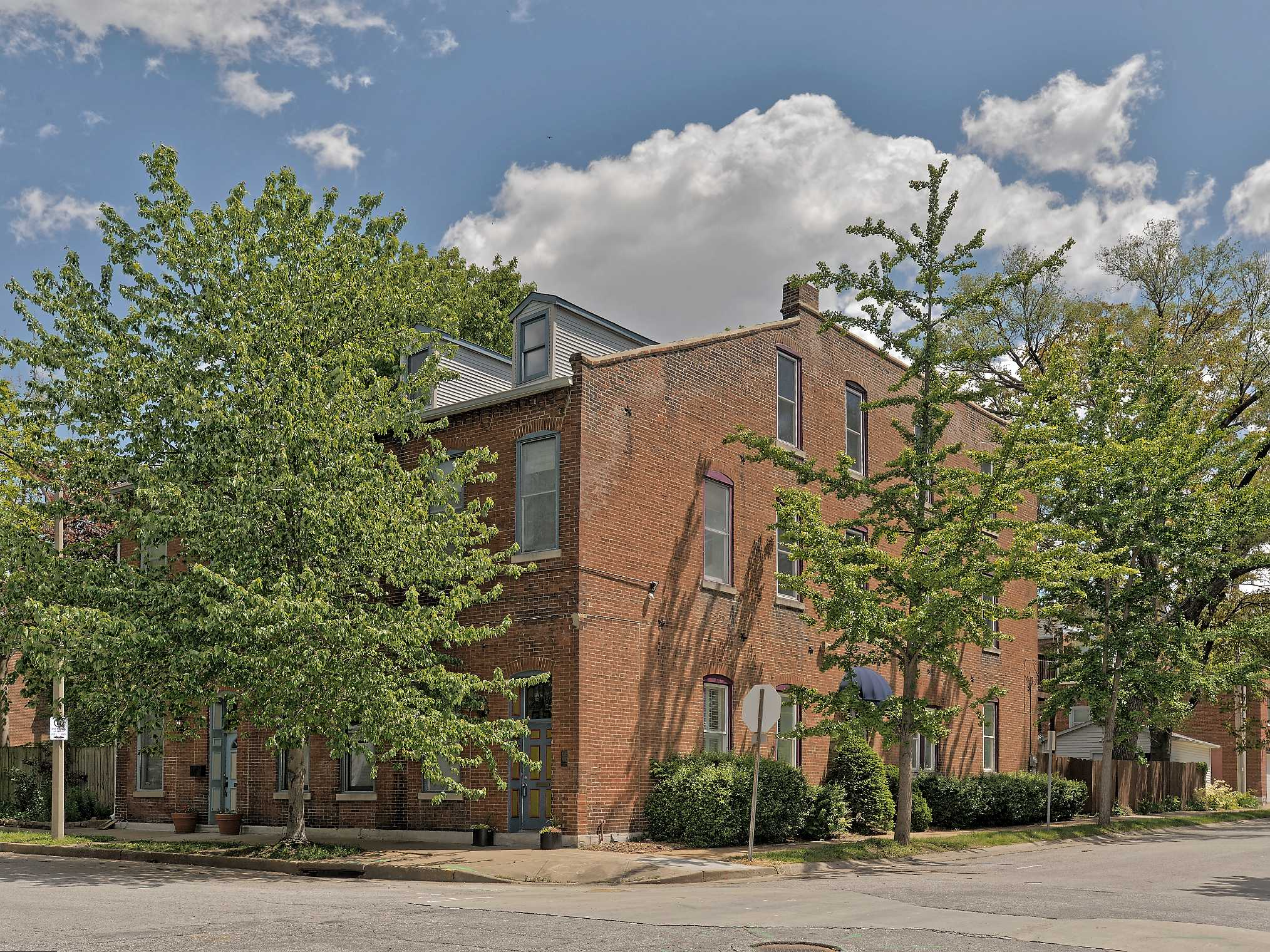 2930 Wisconsin Ave, St Louis 63118-1616